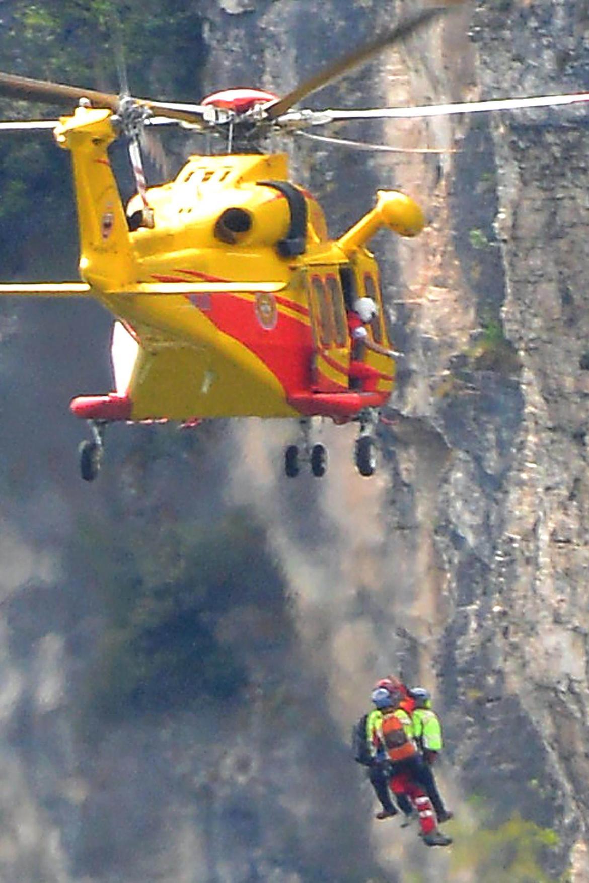Elicottero B3 : Elicottero multifunzione da trasporto di salvataggio di